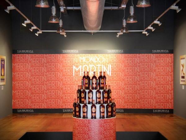 Mondo Martini: la pubblicità come percorso di stile, Valdichiana Outlet Village