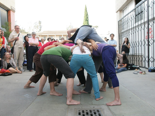 <span>Simone Forti, Huddle, 1961-2009, Performance, Dimensions variable</span><br />