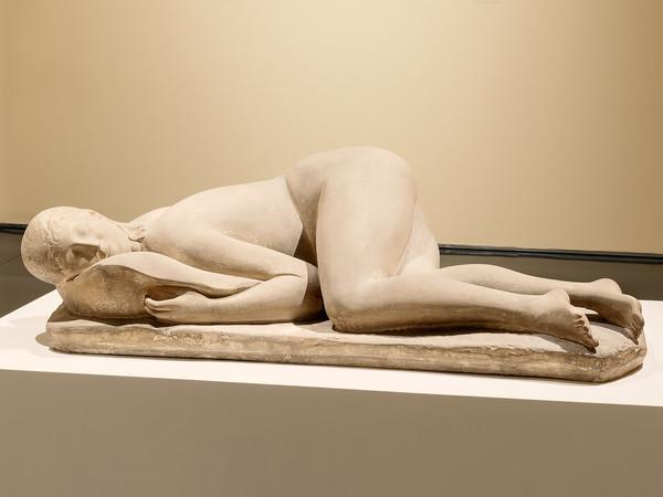 Arturo Martini, La Pisana, 1933 ca., terraglia patinata chiara. Collezione Alberto Della Ragione I Ph. NicolaNeri