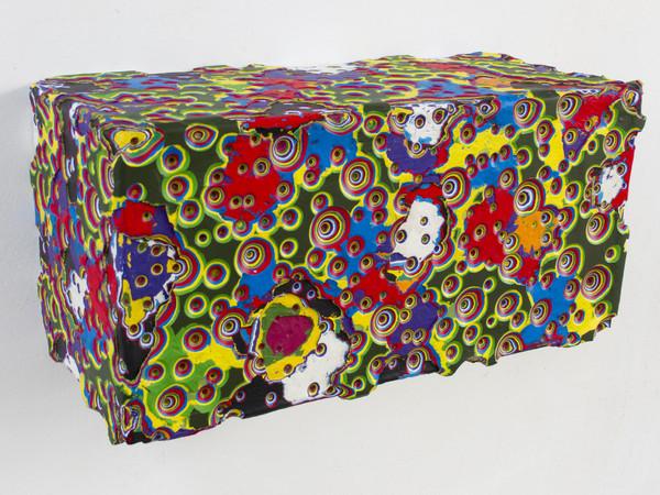 Vincenzo Frattini, Senza titolo 23-17. Colore acrilico scolpito su legno, 25,5x52x24 cm.