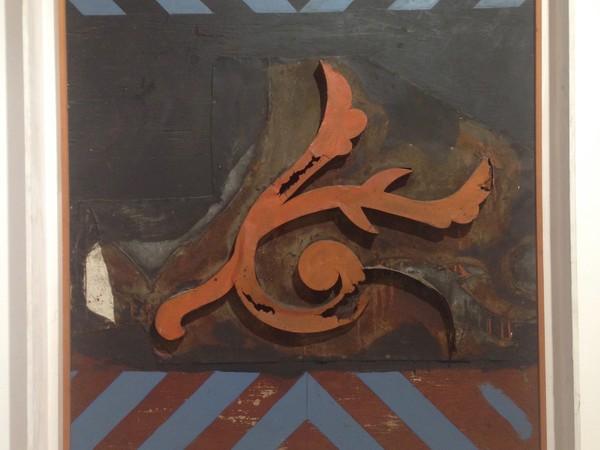 Paolo Buggiani, Uccello Barocco, 1963, smalto, reperto urbano, cm. 80x100