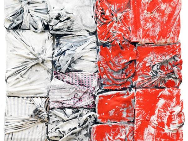 Mario Arlati, Incomplete Flag, 2017, tecnica mista su stoffa, cm.150x100