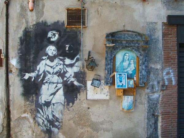Banksy, Madonna con la pistola, Piazza dei Girolamini, Napoli