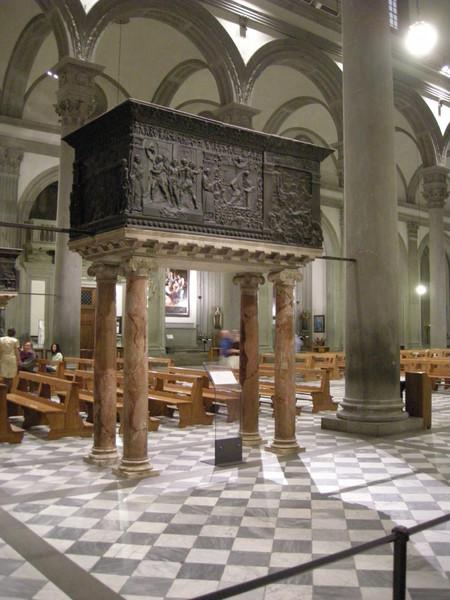 Pulpito della Passione(navata sinistra)e Pulpito della Resurrezione(navata destra)