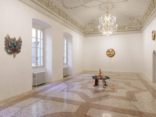 Luigi Ontani, Albericus Belgioiosiae Auroborus, Galleria Massimo De Carlo, Milano