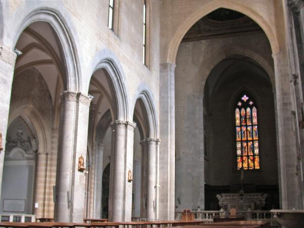 Altare maggiore e balaustra