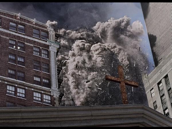 James Nachtwey, Crollo della torre sud del World Trade Center. New York, USA, 2001