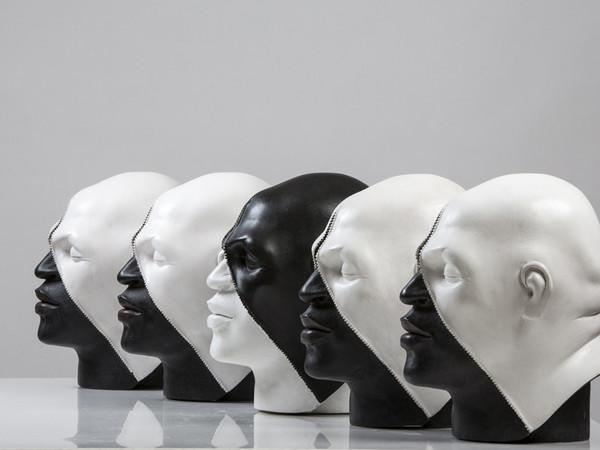Emanuele Giannelli,Double Skin, resina, cm. 32x26x22