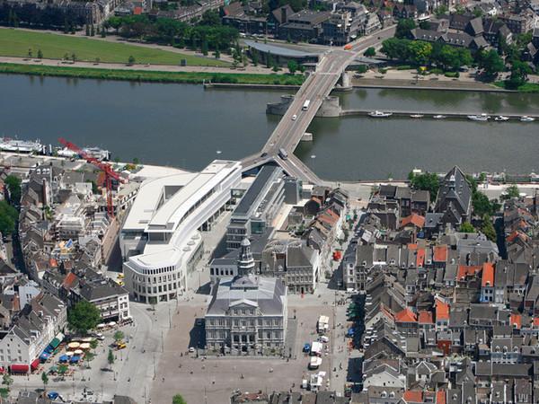 Mosae Forum Maastricht NL 2007