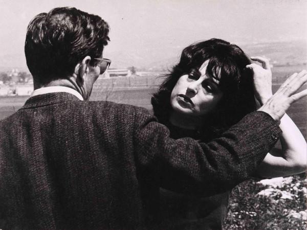 """Pier Paolo Pasolini e Anna Magnani durante la lavorazione del film """"Mamma Roma"""",1962"""