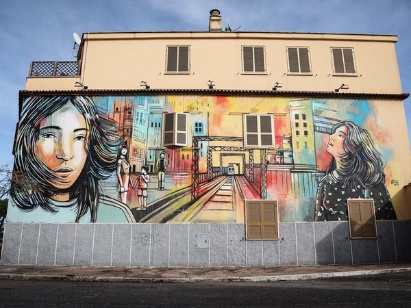 Murales di Alice Pasquini per il progetto One City, Casal Bertone, Roma