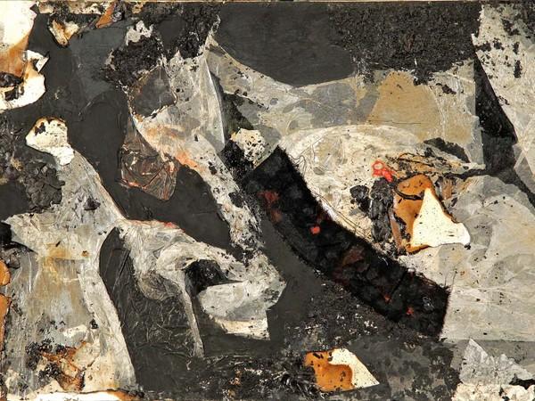 Alberto Burri, Combustione, 1961. Acrilico, carta, cartoncino, vinavil, stoffa, combustione su tela, cm. 34 x 51