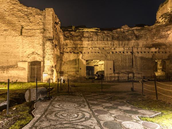 Una veduta notturna delle Terme di Caracalla, Roma | Courtesy of Soprintendenza Speciale di Roma | Foto: Enzo Giovinazzo<br />