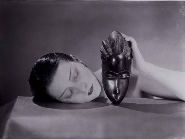 Man Ray, <em>Noire et blanche</em>, 1926, fotografia / photograph new print, 1980 © Man Ray Trust by SIAE 2018