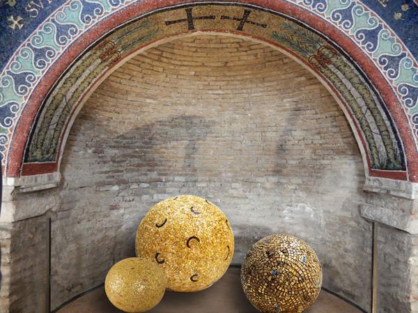 Felice Nittolo, La luce si fa forma. Site Specific: Battistero Neoniano, Museo Arcivescovile e Cappella S. Andrea
