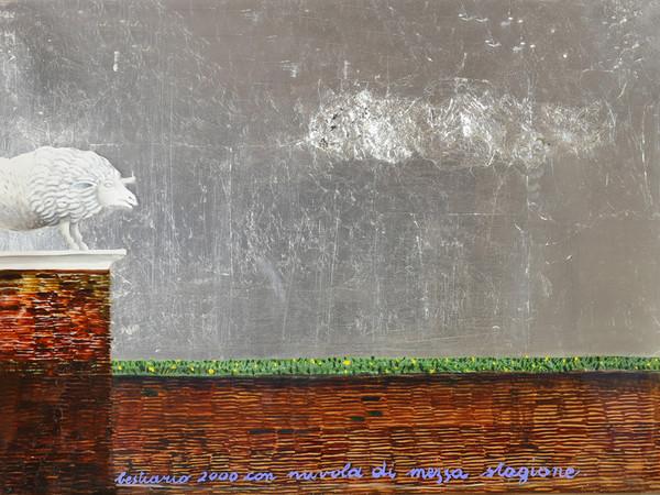 Maria Stuarda Varetti, Bestiario 2000 con nuvola. Olio su tavola e acetato con lana di ferro e foglia d'argento, cm. 49x68