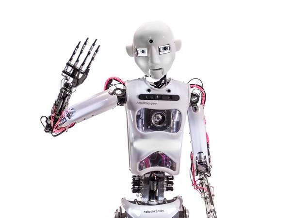 <em>Robothespian</em>, 2017 | Courtesy of Engineered Arts ltd