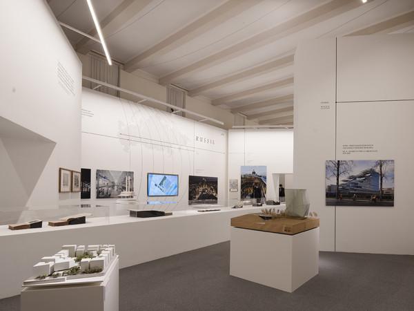 EST. Storie italiane di viaggi, città e architetture, Fondazione Giorgio Cini, Venezia. Installation View I Ph. Pietro Savorelli