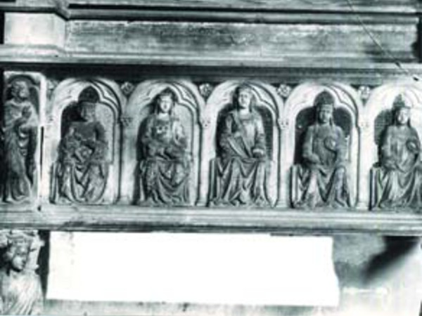 Sepolcro di Maria Valois e Sepolcro di Carlo duca di Calabria
