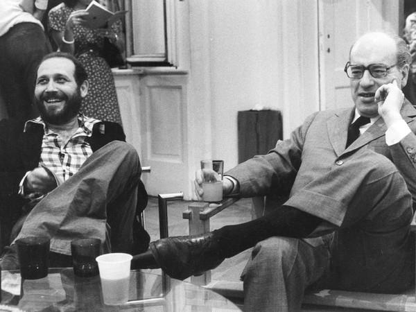 Emilio Isgrò con Ottiero Ottieri, 1974