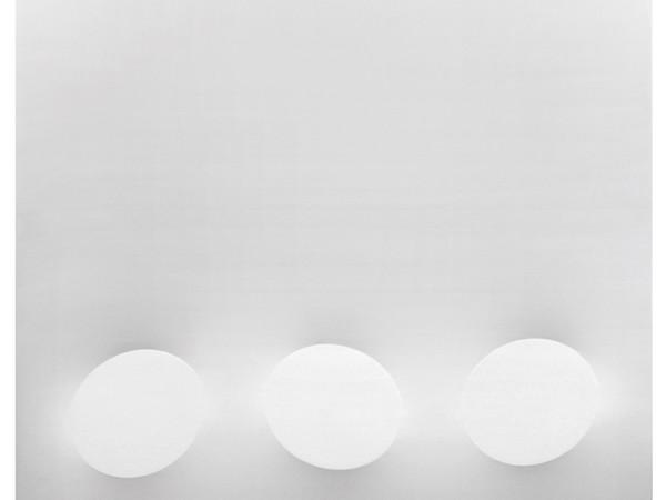 Turi Simeti, 3 ovali bianchi, 2015, 180x180 cm