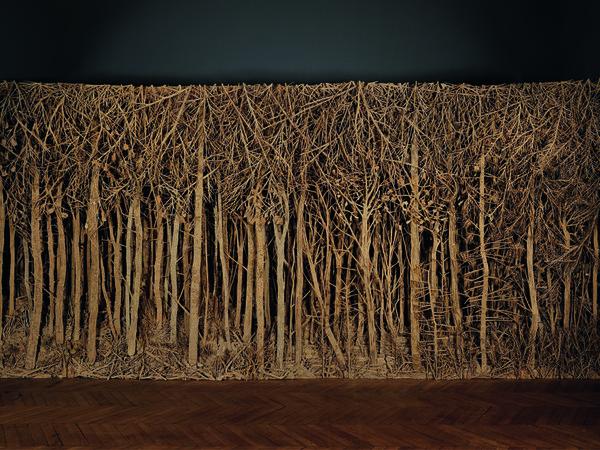 <span>Carte blanche à Eva Jospin, Manufacture des Gobelins, Parigi, 2013. Cartone, legno, colla, cm. 760x350x45</span>