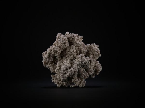Jens Risch, Silk piece VI,1000 m. seta bianca, cm. 7,5x8x7, 2015-2017