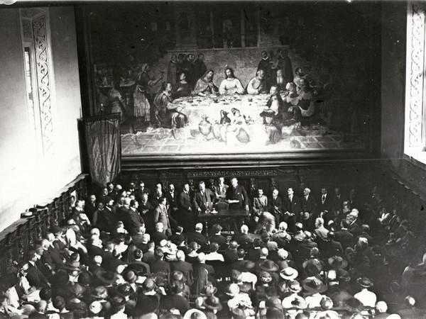 14 settembre 1920, Sala di Dante della Biblioteca Classense: Benedetto Croce, ministro della Pubblica Istruzione, apre le celebrazioni nazionali per il VI Centenario della morte del poeta (fototeca Classense)