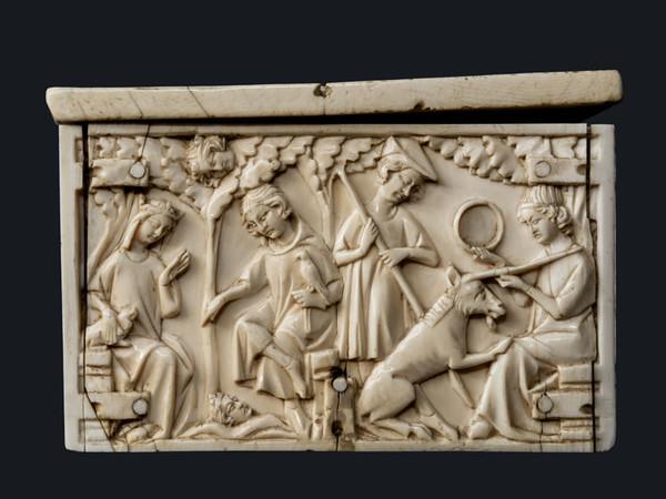 Cofanetto con soggetti cavallereschi. Scuola francese 1340-1350