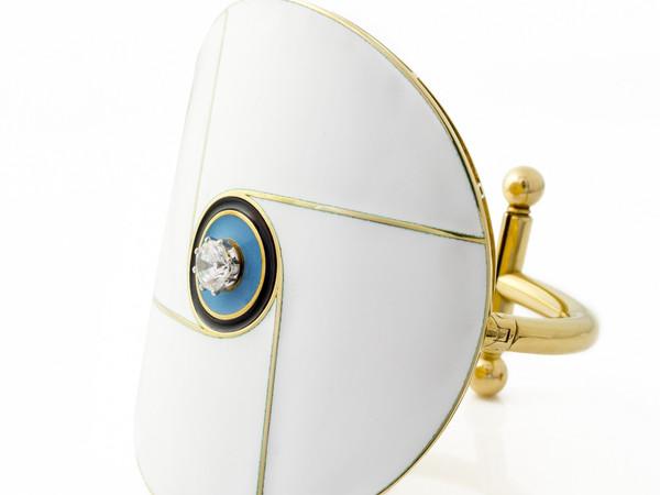 Gio' Pomodoro, Bracciale, 1967, oro giallo, oro bianco, smalto, diamante. Collezione Fusari, Graffignana, Lodi