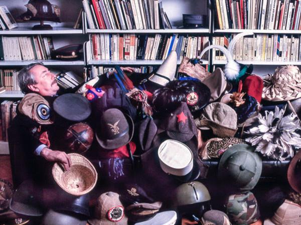 Un ritratto di Alfonso Franco Grassi insieme ai suoi cappelli | Foto: Giovanna Dal Magro