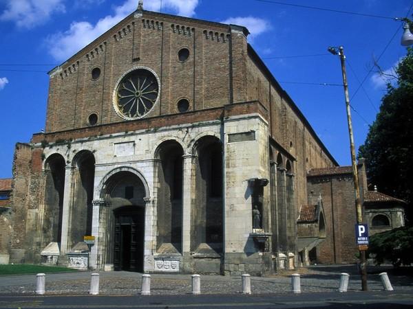 Foto storiche di padova il bombardamento della chiesa for Costo di raccordo della cabina di log