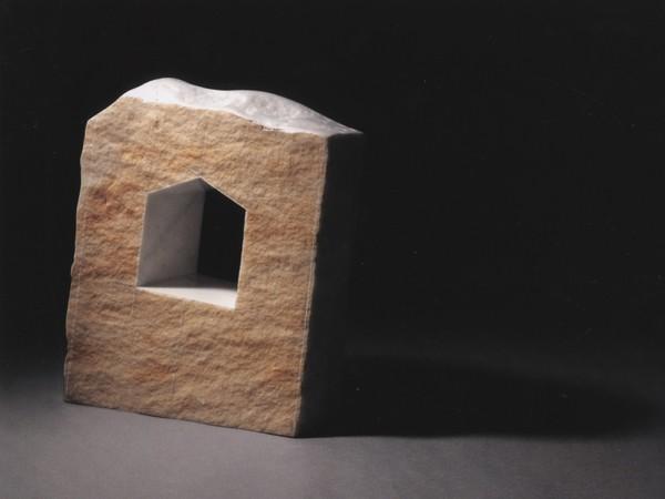 Graziano Pompili, Ort, 2005, marmo statuario e patina, cm 40x28x10