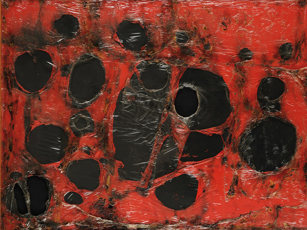 Alberto Burri, <em>Rosso Plastica M3</em>, 1961, Plastica, combustione su tela, Fondazione Palazzo Albizzini, Collezione Burri
