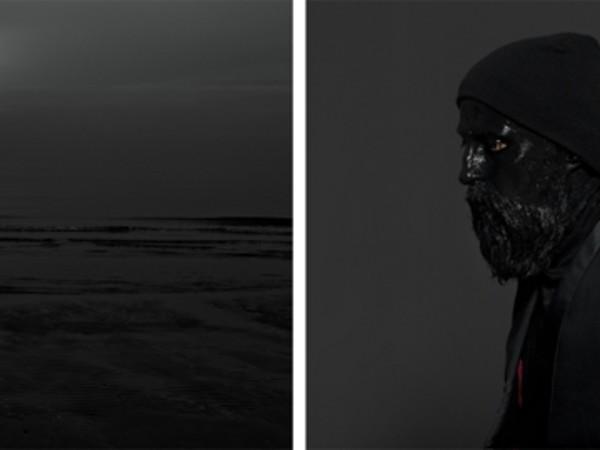 Mustafa Sabbagh, Senza Titolo, 2014 Dittico, stampe lambda montate su supporto in legno nero, cm 66 x 60 x 6 cad.