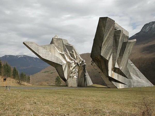 Igor Grubic, Monument, 2015, 50', still frame