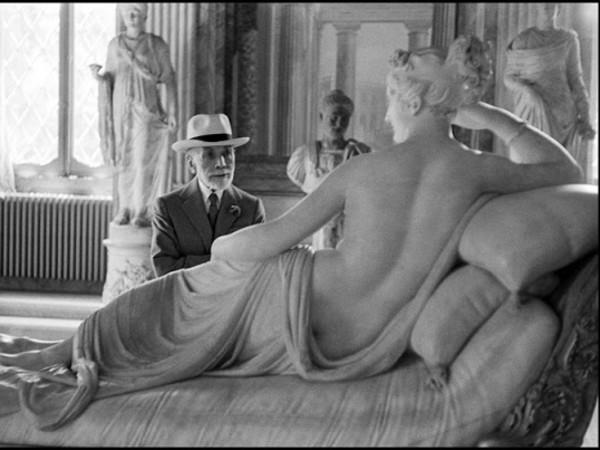 """<span style=""""text-decoration: underline;""""><strong>PALAZZO DELLA RAGIONE</strong></span> (marzo - settembre, a cura di G. Calvenzi) """"Italia inside out"""" L'Italia è una delle mete preferite dai fotografi, la cui ricerca si è sempre concentrata sulla bellezze, sul modo di vivere, sulla nostra storia. La mostra esplora questo bagaglio prezioso di immagini, esperienze e visioni attraverso il lavoro di fotografi italiani prima e internazionali poi."""