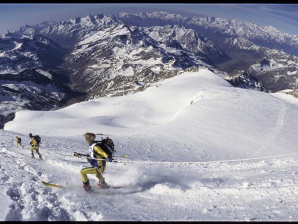 Davide Camisasca, Colle del Felik 4000 m. Monte Rosa, Trofeo Mezzalama. 5 maggio 1997. Pellicola 220 diapositiva Kodak Ektachrome Camisasca_Mezzalama/97/pano612/5