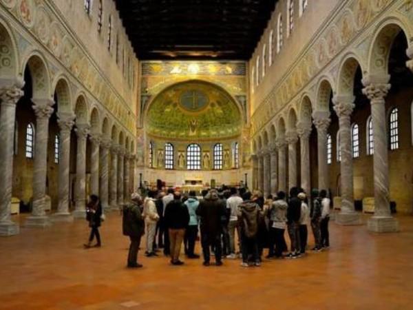 Basilica di Sant'Apollinare in Classe, Ravenna, veduta interno
