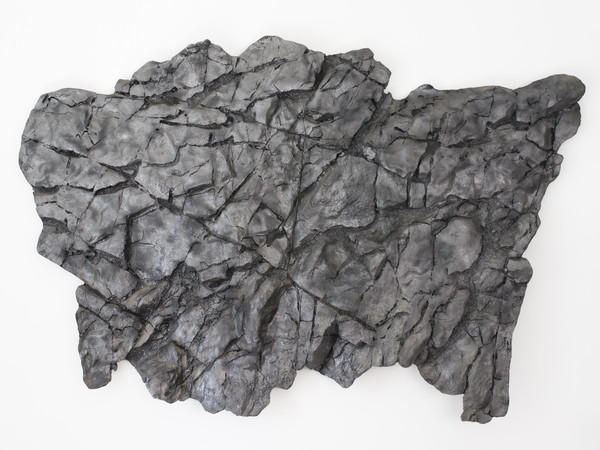 Giacomo Rizzo, Pelasgi, resina, 275x180 cm, 2015