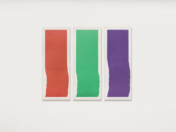 Pino Pinelli, Pittura A. VR. V., 1973, acrilico su tela, 145 x 55 cm. (3 elementi)