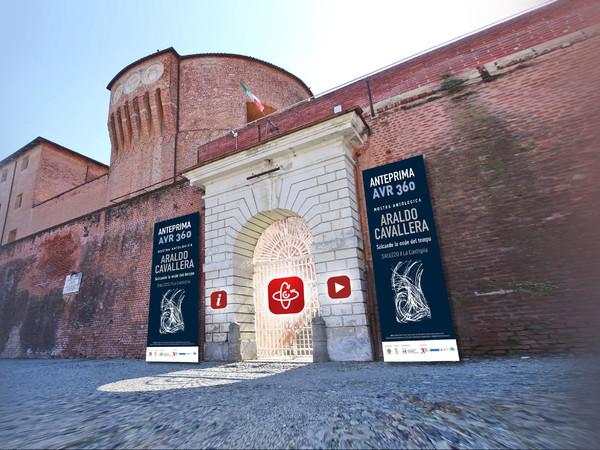 """L'ingresso dell'Anteprima AVR 360 della mostra antologica su Araldo Cavallera """"Solcando le onde del tempo"""" alla Castiglia di Saluzzo"""