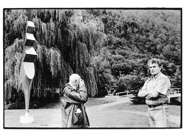 <em>Henri Cartier-Bresson fotografa Léonard Gianadda</em>, Martigny, 2 settembre 1994 | © Monique Jacot, Fondation Pierre Gianadda