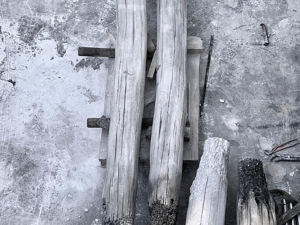 Fabio Viale, Trinità, marmo bianco e pigmenti, 2019, misure variabili