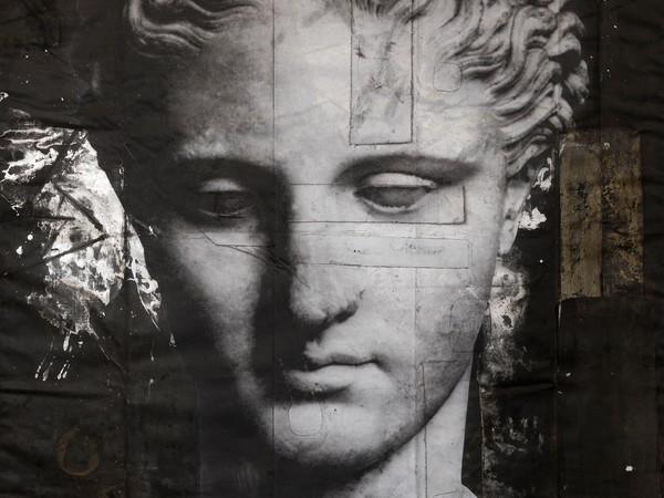 Luca Pignatelli, Testa femminile, 2016, tecnica mista su tela cerata, 240x170 cm.