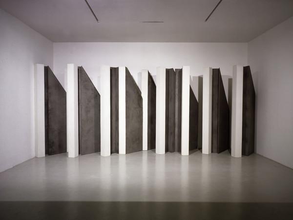 Giuseppe Uncini, Grande parete, Studio Marconi MT 6, 1976