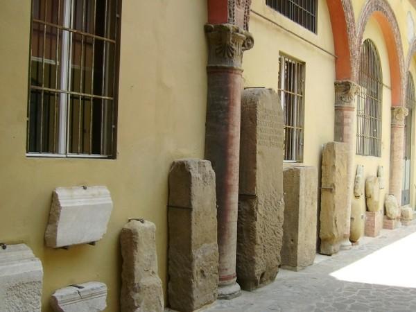 Palazzo Ancarano, Bologna, cortile