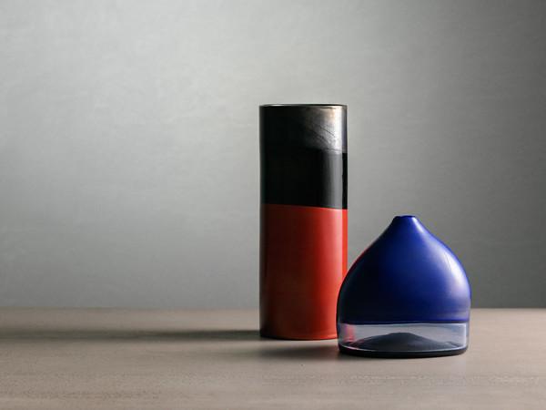 Vaso cilindrico e Cappello del doge in vetro con doppio incalmo, 1961-62. Collezione Rob Beyer,