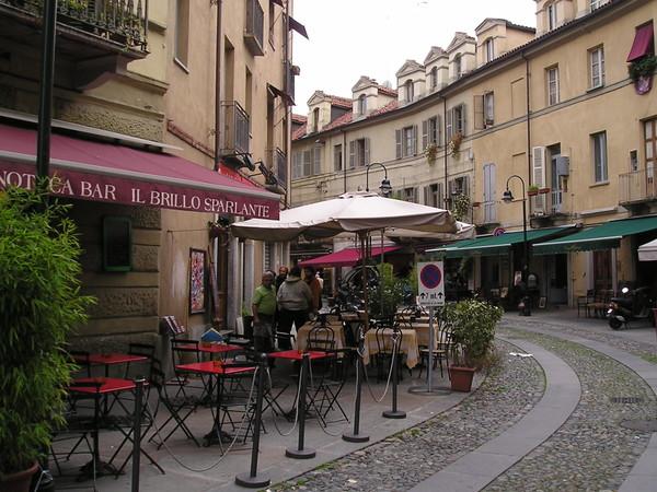 Borgo dora e il bal n di torino monumento for Balon torino