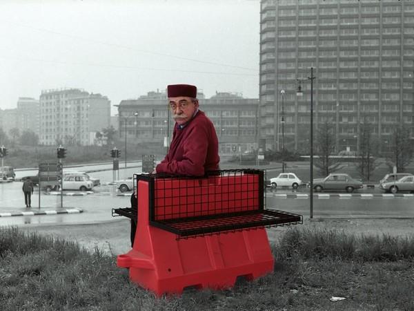Ugo La Pietra, Riconversione progettuale Barriera antiterrorismo-poltrona, 2016-17